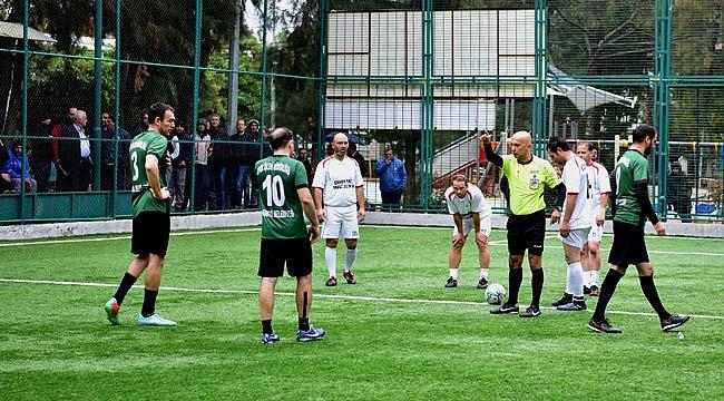 Bornova Belediyesi'nden çalışanlar için futbol turnuvası
