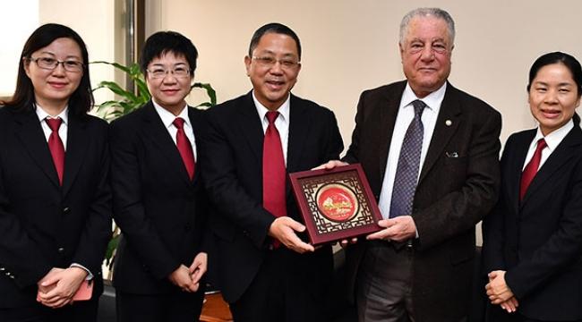 İzmir'e Çin iltifatı