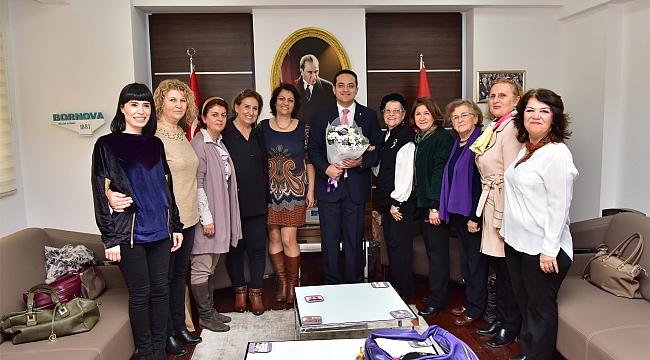 Başkan Atila'ya kadınlardan teşekkür