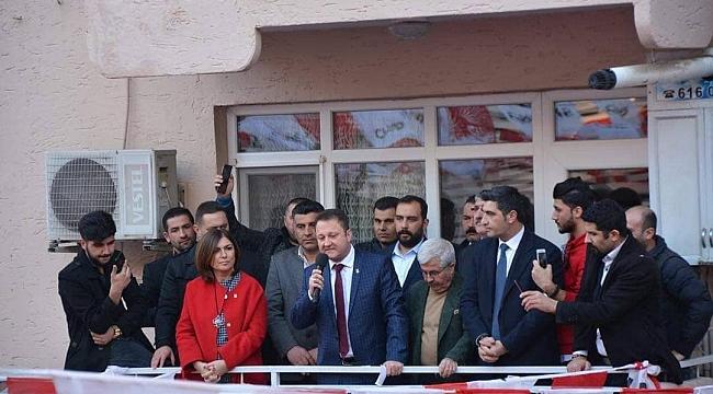 CHP'li Aksoy'danMenemen'de coşkulu seçim startı!
