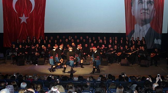 Türk Halk Müziği Korosu'ndan Bayraklı'da konser