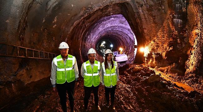 Başkan Soyer, Narlıdere metro şantiyesini inceledi