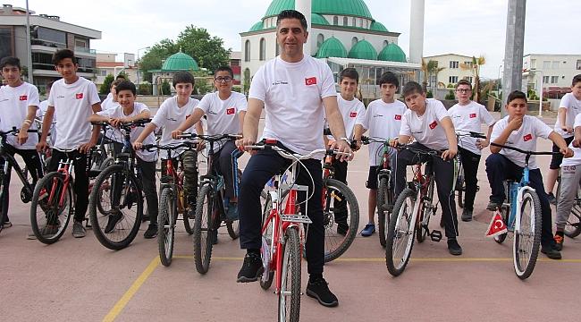 Başkan Kayalar bisiklet turuna katıldı!