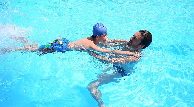Bayraklı'da yüzme bilmeyen kalmayacak!