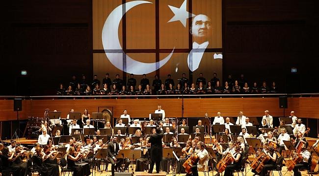 Konak'ta 1919 ruhu muhteşem konserle canlandı