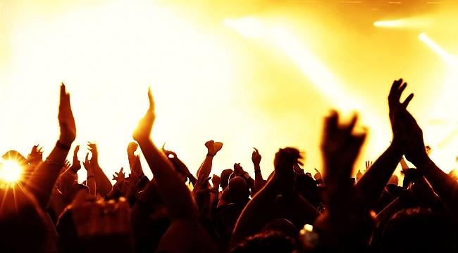 İzmir Çim Konserleri başlıyor