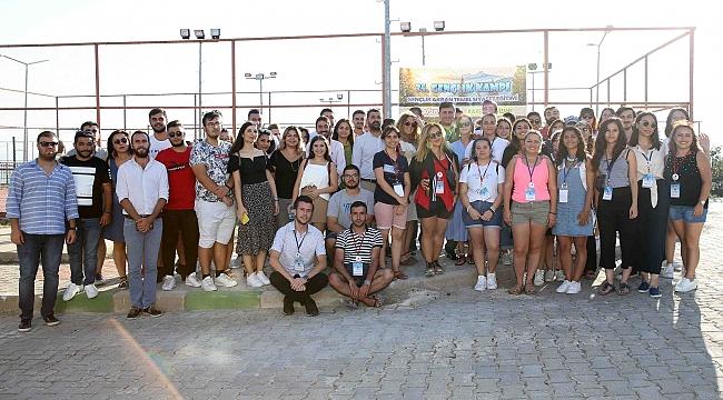Başkan Tugay, '35. Gençlik Akran Temel Siyasi Eğitim Kampı'na katıldı!