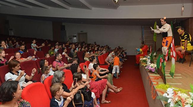 Çiğli Belediyesi'nden çocuklara tiyatro şenliği