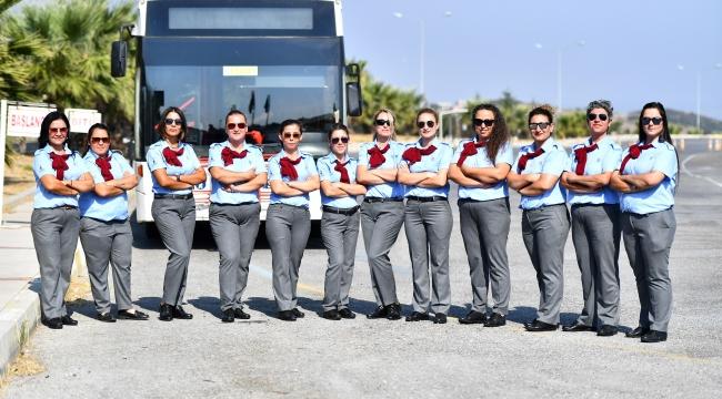 İzmir'in kadın otobüs şoförleri işbaşı yaptı