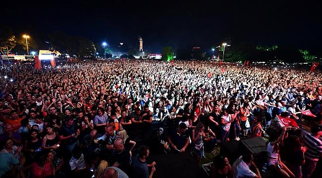 İzmir'in ormanları için 477 bin lira toplandı!