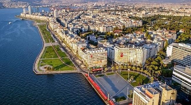 İzmir'in tarihi kent merkezini keşfedin!