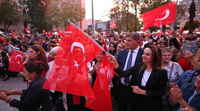 Karşıyaka'da Cumhuriyet coşkusu