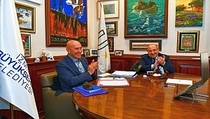 İzmir Büyükşehir memurlarla sözleşme imzaladı