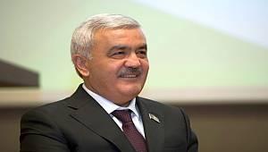 SOCAR, Azerbaycan vatandaşları ile öğrencilere destek veriyor