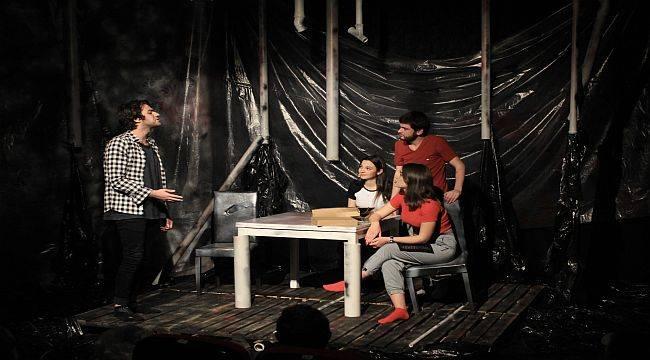 """Tiyatro Ofisi'nden """"SESSİZ"""" Çığlık"""