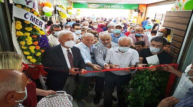 Mevsim Marketler Zinciri'nin 7'inci Şubesi Buca'da açıldı