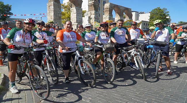 İzmir'in Dünya Miraslarını Bisikletliler Birleştirdi